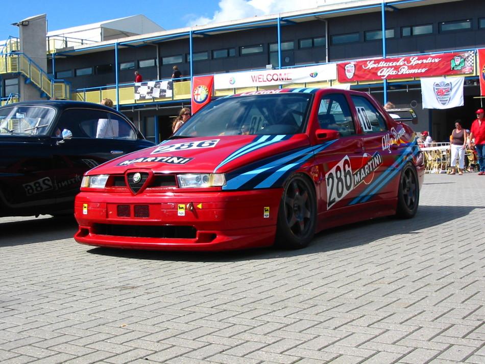Alfa_Romeo_155_GTA_1