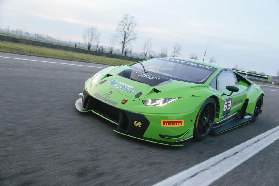 lamborghini-huracan-gt3-racecar-05