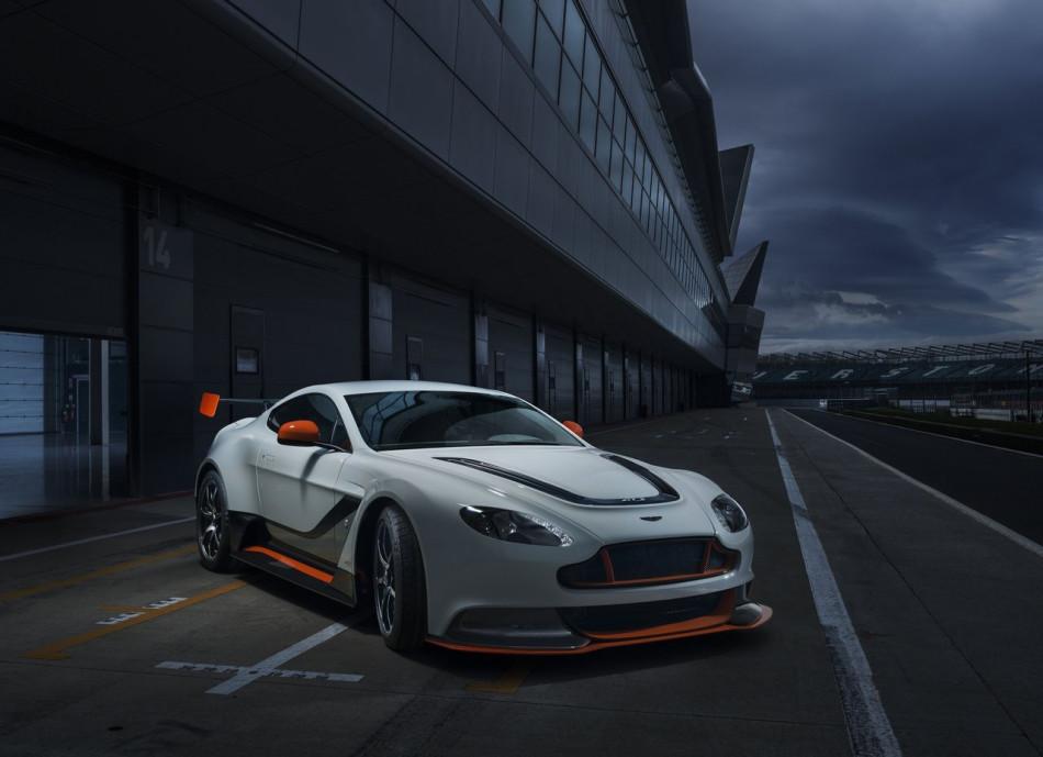 Aston_Martin-Vantage_GT3_Special_Edition_2015_01
