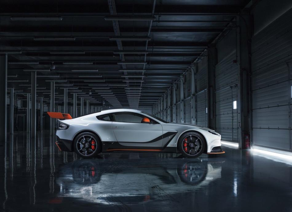 Aston_Martin-Vantage_GT3_Special_Edition_2015_02
