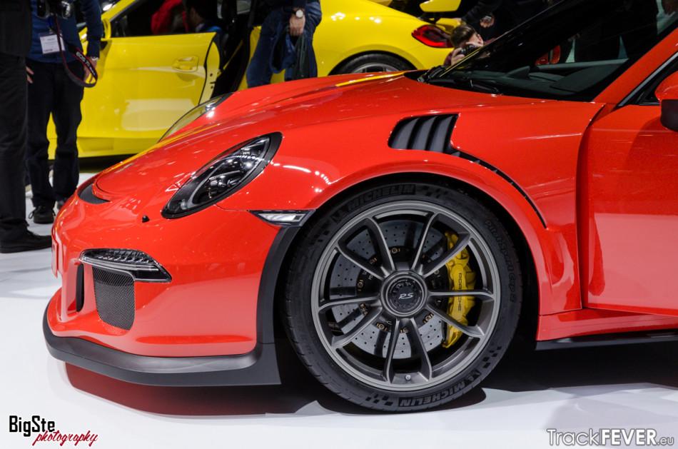 Salone di Ginevra-Porsche 911 GT3 RS 2015 10
