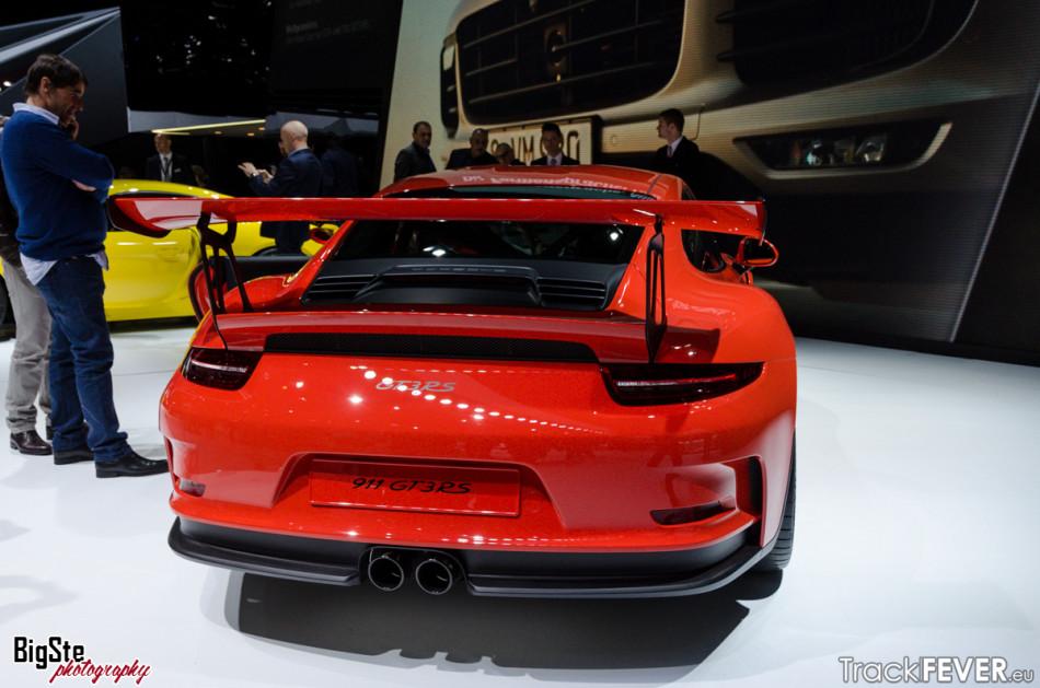 Salone di Ginevra-Porsche 911 GT3 RS 2015 11