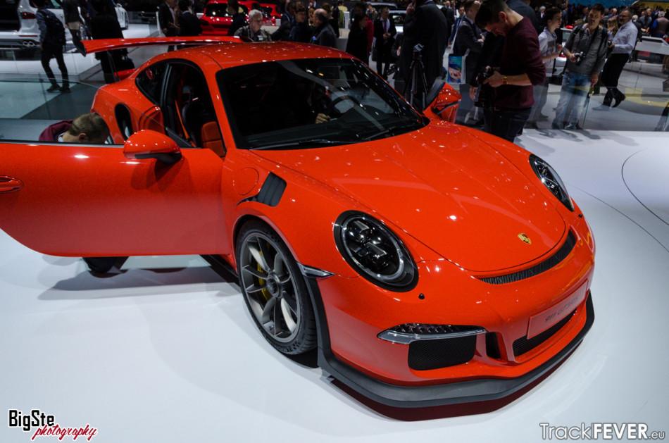 Salone di Ginevra-Porsche 911 GT3 RS 2015 3