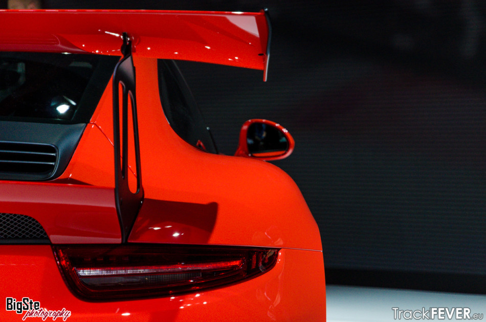 Salone di Ginevra-Porsche 911 GT3 RS 2015 5