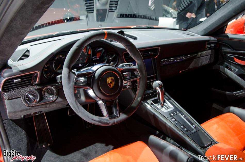 Salone di Ginevra-Porsche 911 GT3 RS 2015 6
