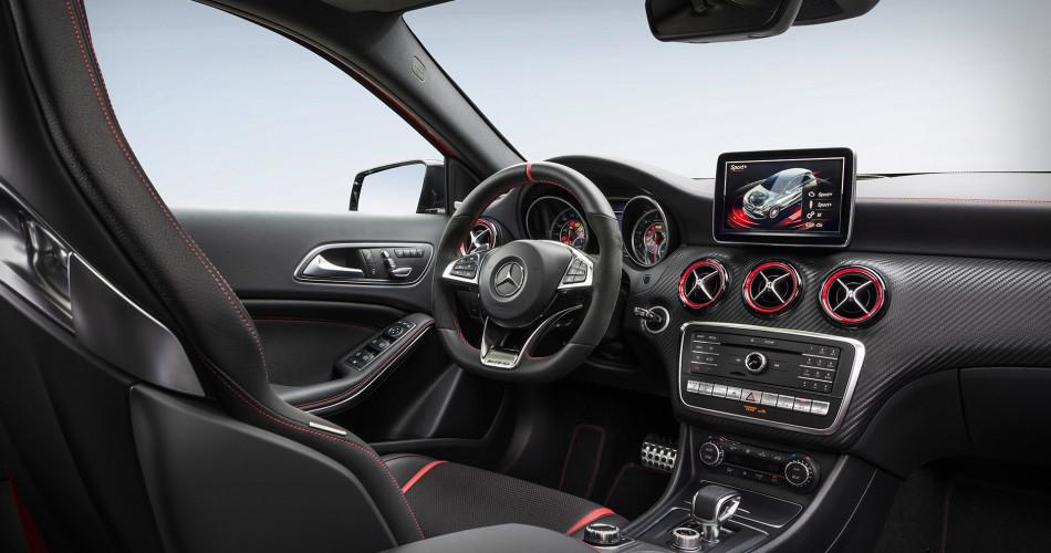 Mercedes AMG A45 2016 8