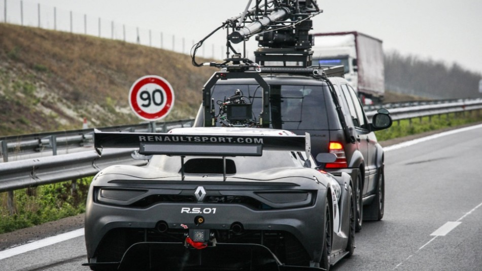 renault-sport-rs-01-interceptor-backstage-2